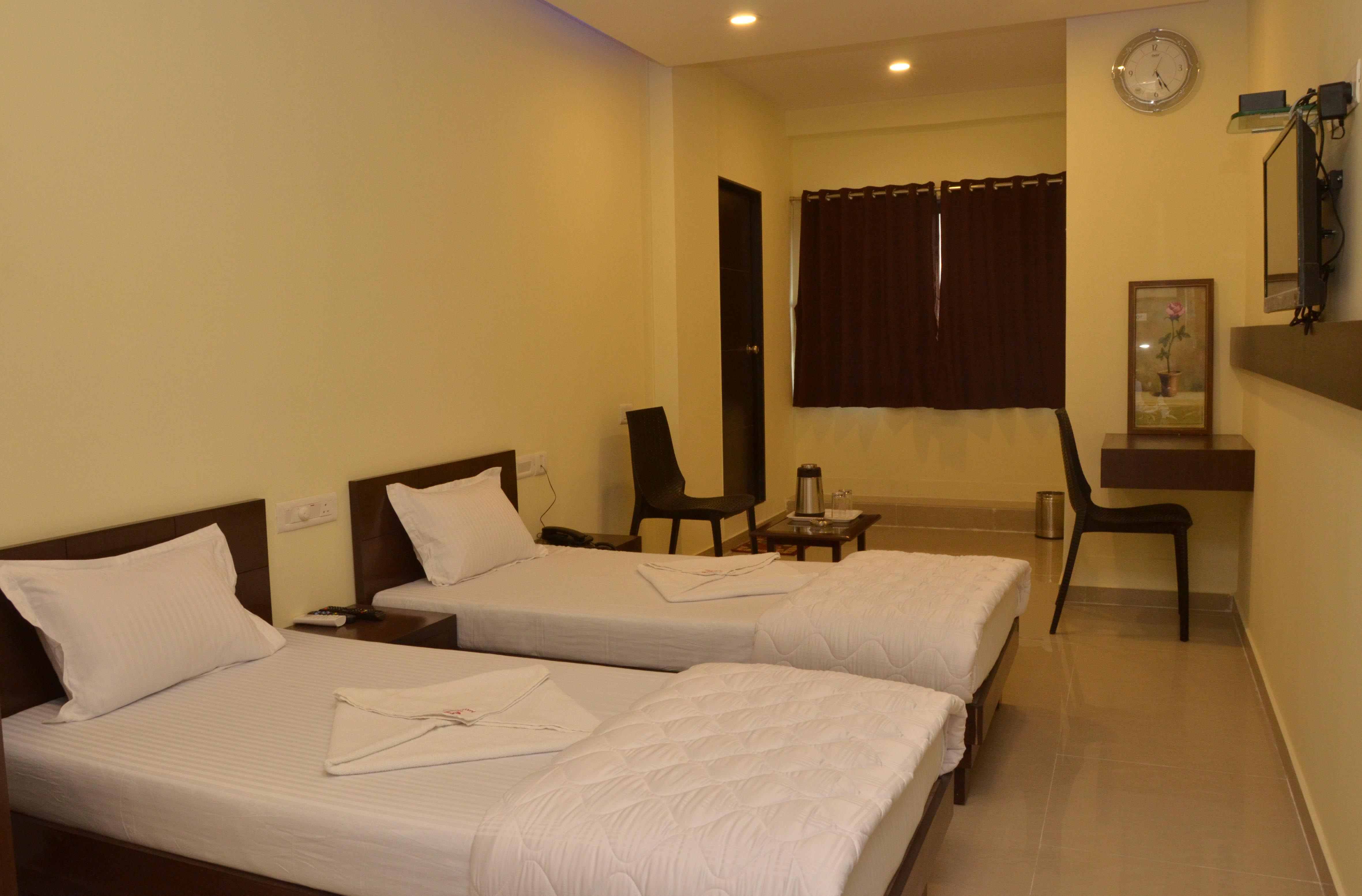 Rooms Two Beds- Hotel Ambience